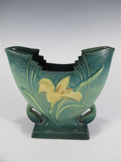 Rosewood Pottery Vase by American Roseville Pottery Vase