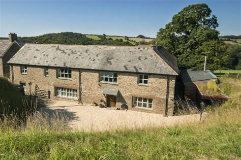 luxury cottage near dartmouth and the