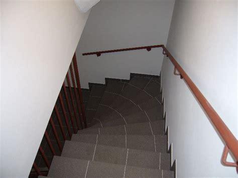 gewendelte treppe fliesen gewendelte treppen fliesen verlegen das beste aus