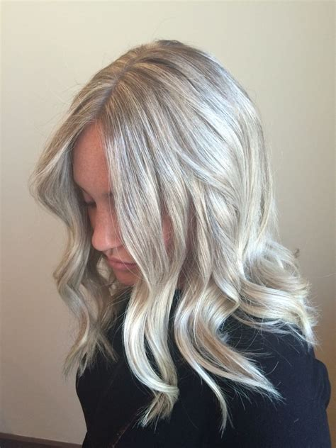 pictures of hair that have blonde platinum highlights platinum blonde hair color light icy ash highlight