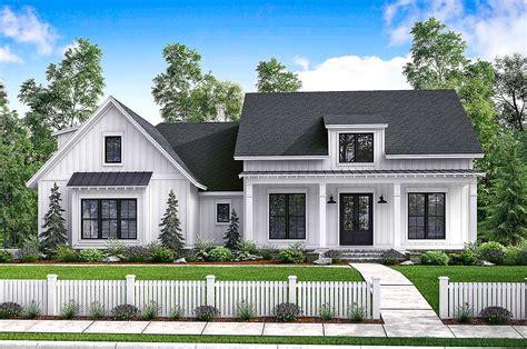 budget friendly modern farmhouse plan with bonus room