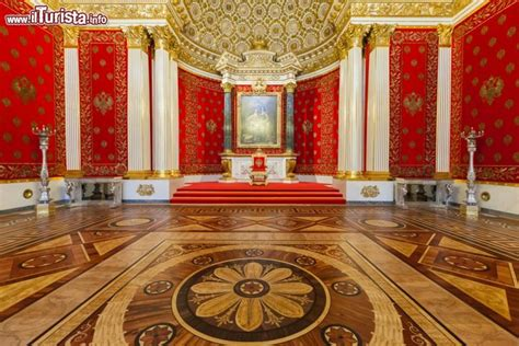 piccola sala del trono dentro allermitage foto san