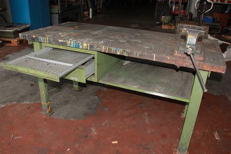 cassettiere in ferro banco da lavoro in ferro con morsa e cassetti usato