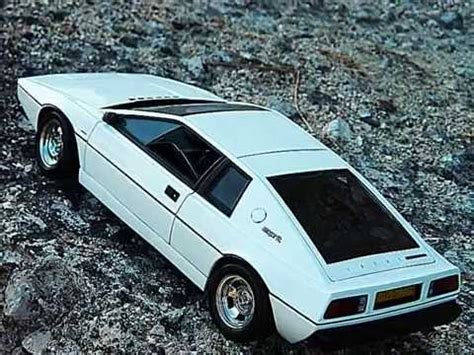 the who loved me lotus esprit the who loved me lotus esprit s1 1 18 by autoart