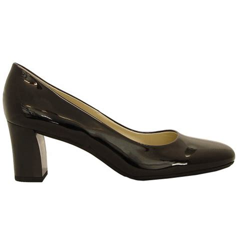 kaiser plata black patent stacked heel court shoes