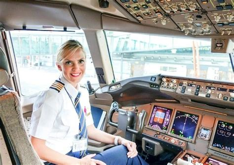 emirates quora how many women are pilots at emirates airlines quora