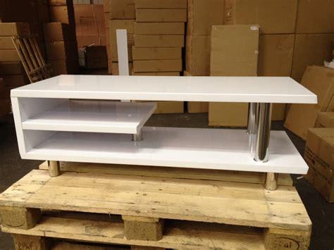 Garage En Bois 3291 by Meuble Tv Design Blanc Laqu 233 Import Diffusion Destockage