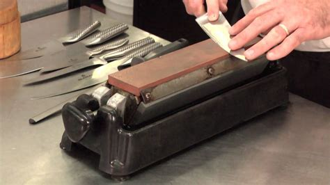 best way to sharpen kitchen knives how to sharpen your chef knives doovi