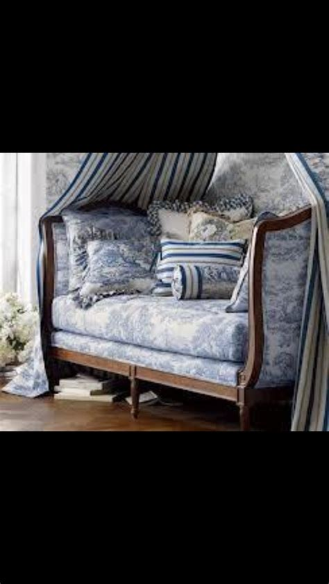 140 best make day bed images on pinterest 33 best images about cushion ideas for daybeds on