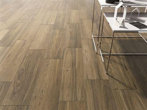Tile That Looks Like Wood by Fliesen In Holzoptik Eiche 25x150 Deck Eichenoptik