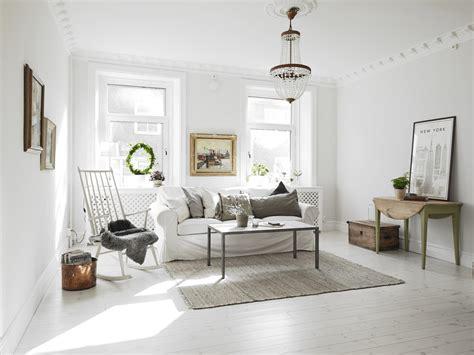 Welke L Geeft Warm Licht by Ruime Lichte Woonkamer Met Half Open Keuken Interieur
