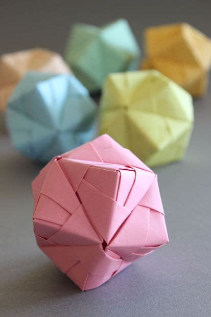 Origami Balls - diy origami sonobe style in pastell