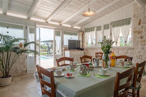 villa fiorita bari villa con piscina in affitto puglia foto trulli oasi