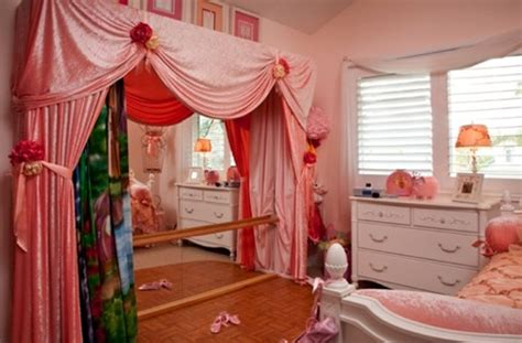 creating  ballet themed bedroom
