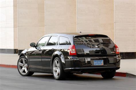 2005 dodge magnum srt8 car pictures and photo galleries autoblog
