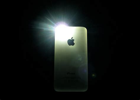 iphone flashlight how to enable flash light for texts and calls alerts on iphone