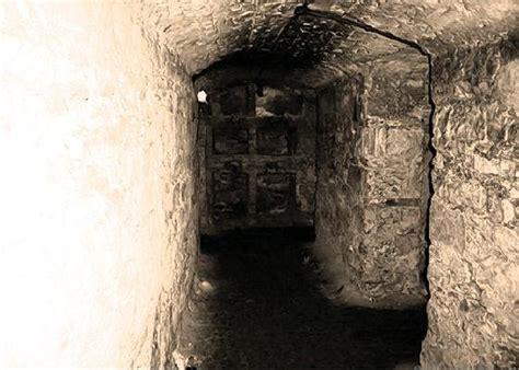 underground vaults html explore underground vault in edinburgh scotland