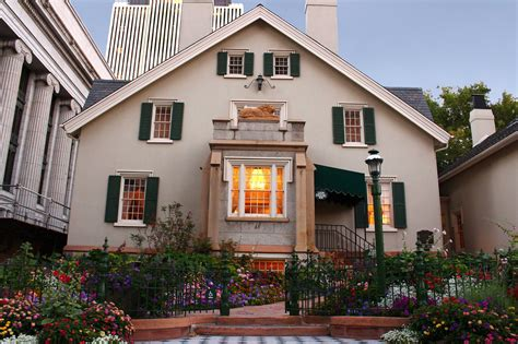 haus bey outdoor weddings house garden temple square
