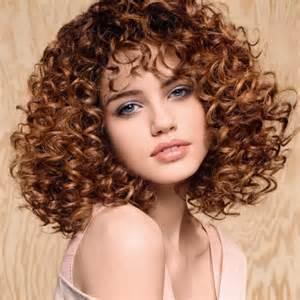 coupe de cheveux fris 233 e ella grise