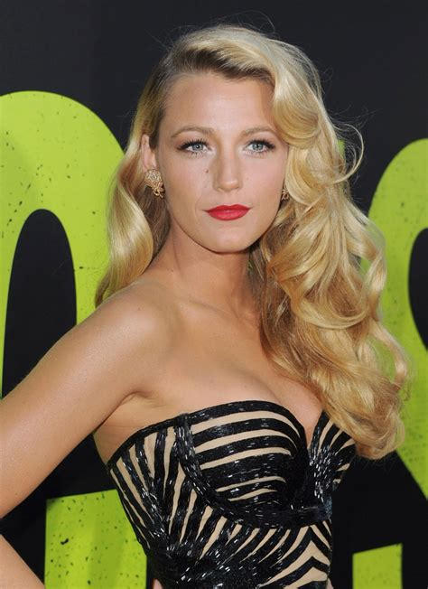 blake lively at savages premiere in los angeles