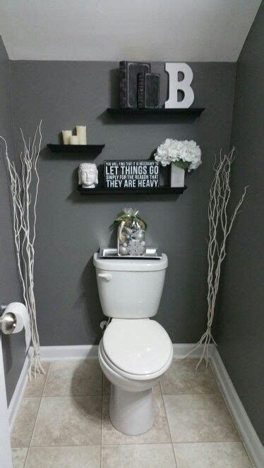 half bathroom decorating ideas 17 ideas about decorating bathrooms on