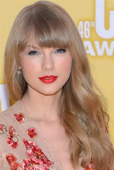 haircuts to soften the face 26 taylor swift hairstyles celebrity taylor s hairstyles