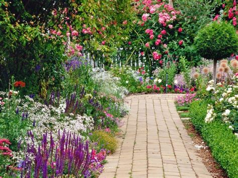 Flower Garden Designs Three Season Bed Flower Garden Flower Garden Designs And Layouts