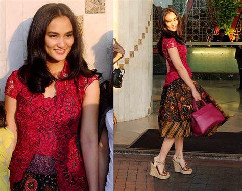 Donita Dres Gamis Mouslemmodis Cantik dress batik kebaya ala selebriti indonesia sumber