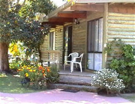 Lakes Entrance Cabins by Lazy Acre Log Cabins In Lakes Entrance Vic Serviced