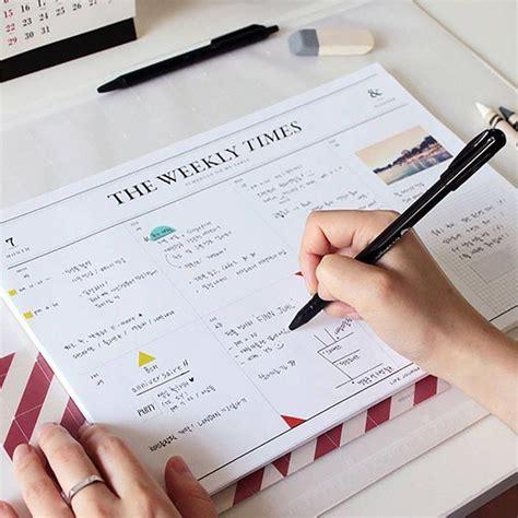 Weekly Desk Planner Pad by Best 25 Desk Pad Ideas On Cubicle Ideas