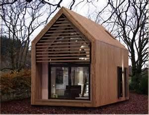 tiny house big living hgtv s tiny house big living paperblog