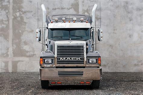 brand new volvo truck for 2000 volvo semi truck 2018 volvo reviews