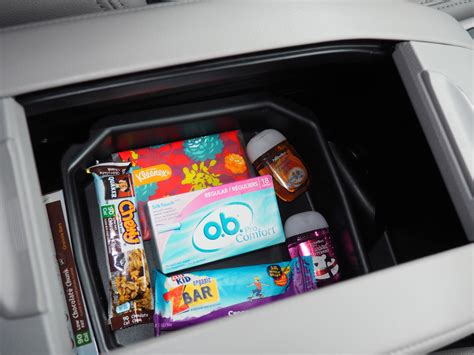 ob comfort tons 5 things every girl needs to keep in her car it starts