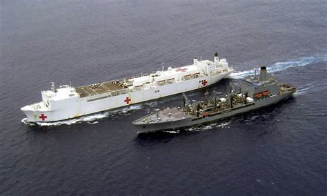 biggest navy boat in the world wordlesstech usns mercy largest hospital ship in the world
