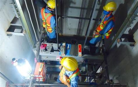 Elevator Installer by Which High Paying Blue Collar Do Not Require Any Degrees Or Certifications Quora
