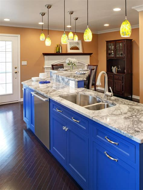 20 best colors for small kitchen design allstateloghomes