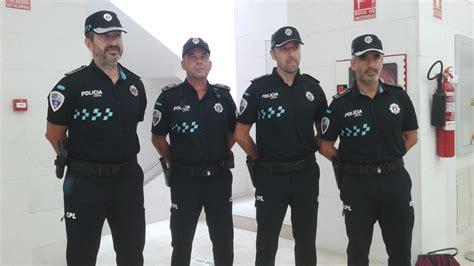 nuevo uniforme de la policia la polic 237 a local estrena uniforme
