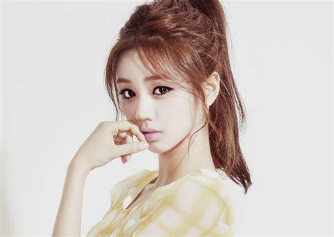 cute aegyo hairstyles girl s day s hyeri shows her aegyo on real men koogle tv