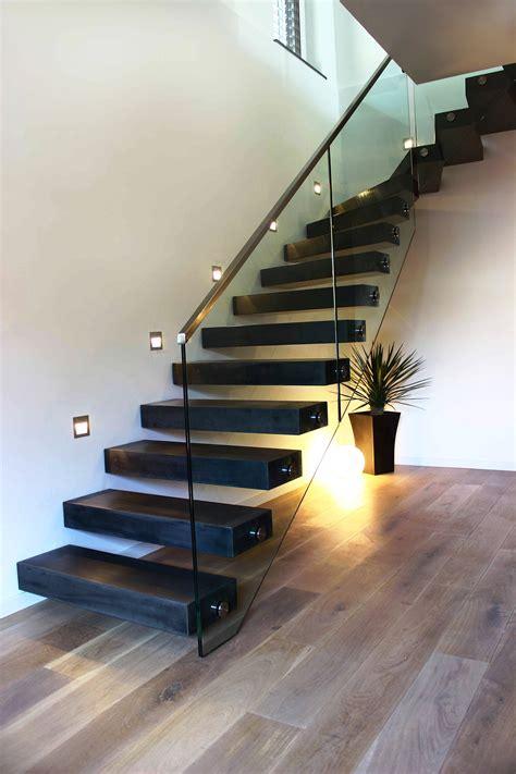 moderne treppen kragarmtreppe bremen gewendelt stufen betondesign