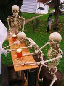 Halloween Skeletons Decorations 25 Cool And Scary Halloween Decorations Home Design And