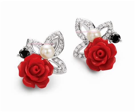 Best Earrings by Best And Attractive Earrings For Beautiful