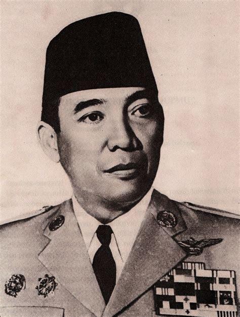 biografi soekarno lengkap i sejarah kehidupan presiden ir biodata presiden ir soekarno simple