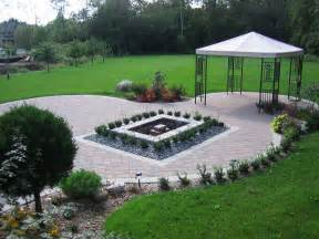 Large Backyard Landscaping Ideas Triyae Large Backyard Landscaping Ideas Pictures Various Design Inspiration For Backyard