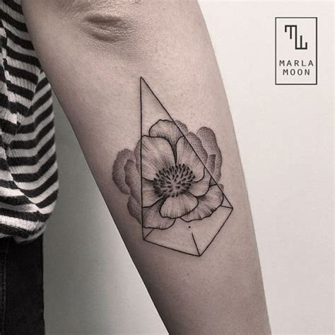 flower tattoo hipster best 25 geometric flower ideas on pinterest symbol for