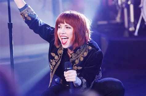 carly rae jepsen snl carly rae jepsen performs quot i really like you quot new song