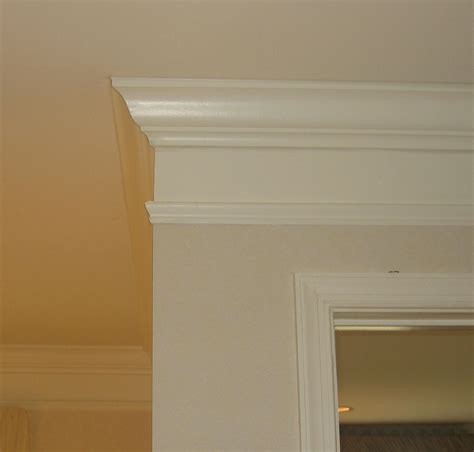 Painting Mdf Kitchen Cabinets by Remodelando La Casa Adding Visual Interest And Height To