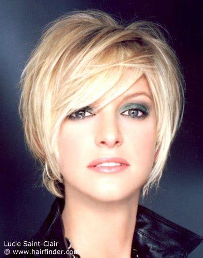 coiffure blond trs clair mi carr tendance cheveux coupe courte et absolument moderne o 249 le volume s impose avec un caract 232 re styl 233