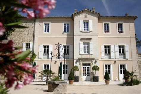 Wedding Venue in France: Chateau La Tour Vaucros
