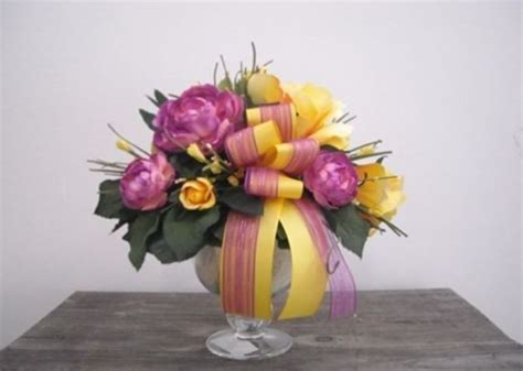 composizione di fiori finti in vasi di vetro vasi con fiori finti piante finte fiori finti