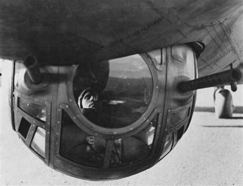 The Middletown Insider: The Death of the Ball Turret Gunner B 24 Ball Turret